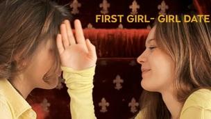 tenåring babe amatør lesbisk truser kyssing onani