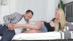 tenåring babe puling venn creampie anal jomfru nytelse kjønn første gang