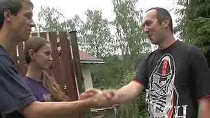 tenåring hardcore blowjob gruppe amatør kjæresten russisk orgie hanrei