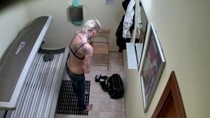 tenåring fitte blonde amatør barbert solo virkelighet tatovering offentlig voyeur