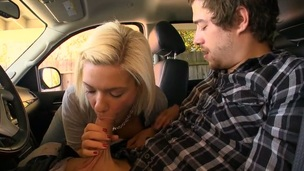 Sweetheart delights a thick male rod with exquisite engulfing