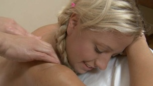 Beauty gets her shaved twat ravished by masseur