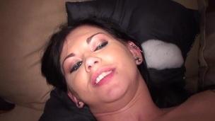 brunette tenåring trimmet puling hardcore doggystyle anal amatør ass kjønn
