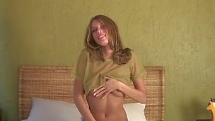 Nubile anny seduces the camera