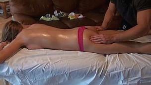 brunette tenåring babe hardcore blowjob amatør barbert massasje stor kuk virkelighet