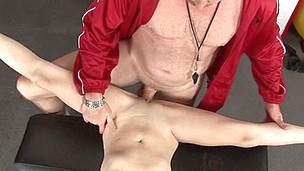 Well-hung guy stretches schoolgirl